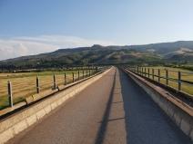 Spaziergang auf dem langen Viadukt über das Basento-Tal, Foto: 2018